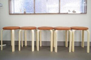 待合い、保護者 着席用に スタッキングできる 椅子