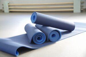 ヨガマット ヨガ ピラティス 柔軟体操に使える 南浦和レンタルスタジオ